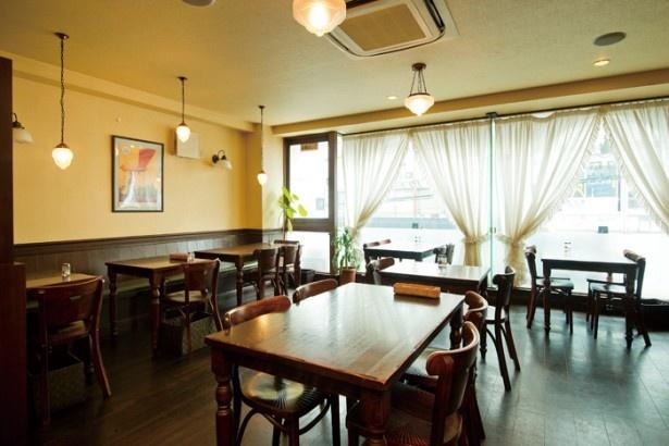 日吉駅の近くに移転して5年目。ゆったりした空間で洋食を味わおう