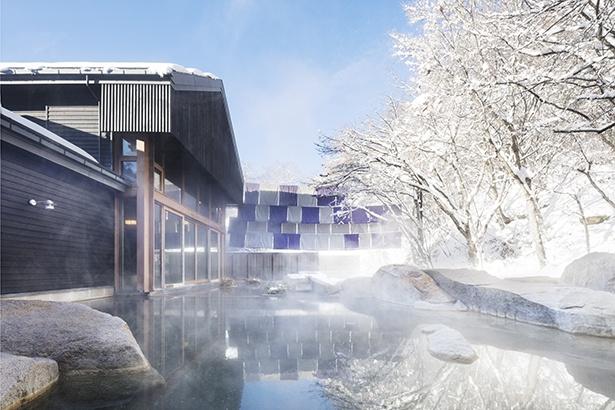 新緑から雪景色まで、四季の移り変わりを肌で感じられる露天風呂