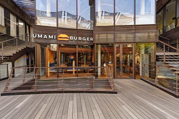 「UMAMI BURGER 青山店」雰囲気もよく最寄り駅から3分とアクセスも◎