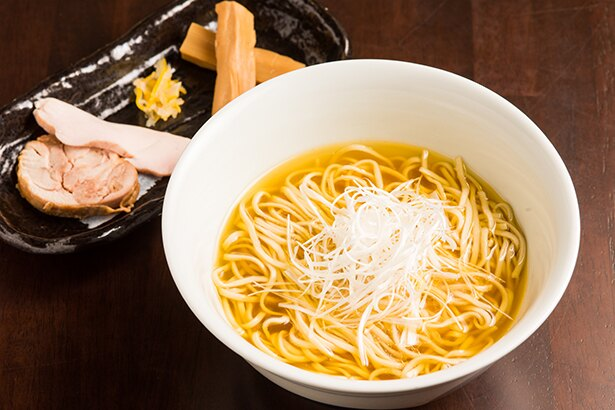 「極~kiwami~」。価格は800~1,050円で地鶏によって異なる(写真は青森シャモロック900円)