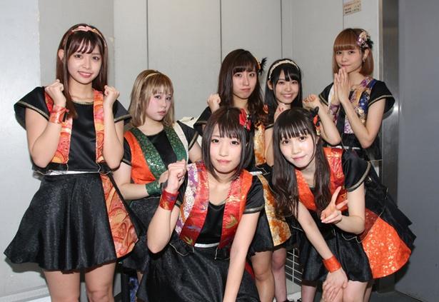 FES☆TIVEが6thシングル「OIDEMASE!! ~極楽~」のフラゲ日に、東京・タワーレコード渋谷店の屋上「スカイガーデン」でリリースイベントを行った