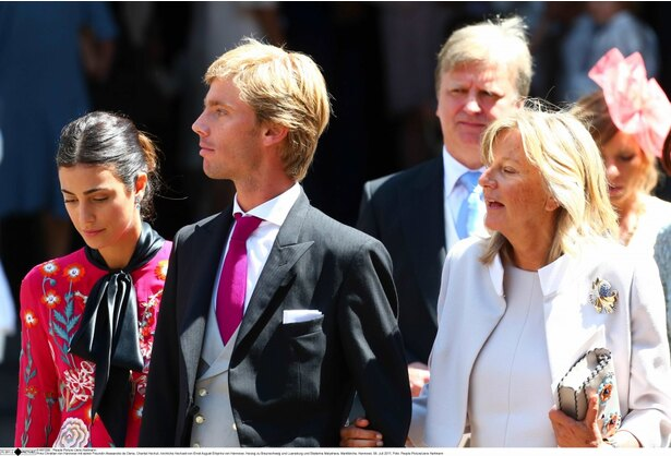 長年の恋人、アレサンドラとついにゴールインしたクリスチャン王子