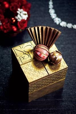 まるで芸術品のような気品ある和の美しさ「玉手箱 de Noel」(3万2400円、10台限定)