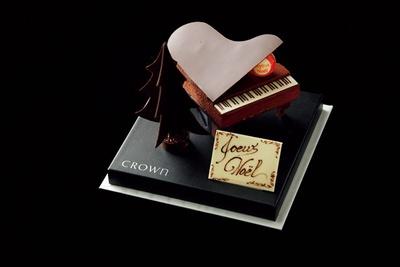2層のムース仕立ての「Piano au Chocolat(ピアノショコラ)」(6000円、50台限定)