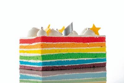 レインボーケーキのXmas限定デコ版「クリスマスレインボーケーキ」(3456円、予約限定)