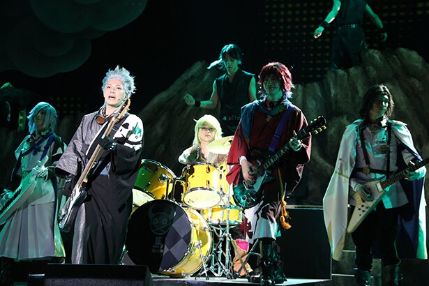 「超魂團(ウルトラソウルズ)」が中心となってステージを盛り上げた