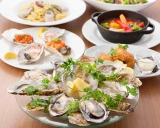 北海道や広島をはじめ、日本各地から仕入れる新鮮な生牡蠣など7皿の牡蠣づくしコース/Gigas 東京駅グランルーフ店