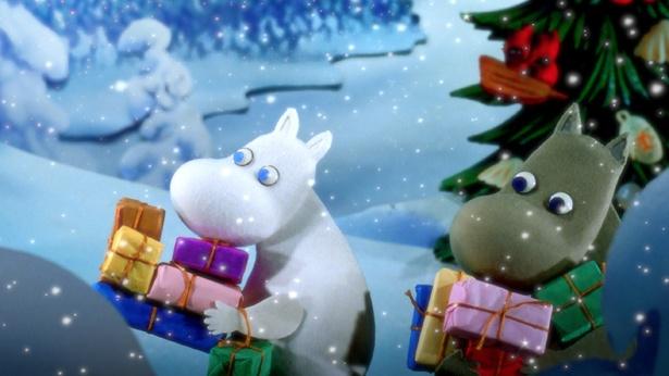"""クリスマスの存在を知ったムーミン一家。ムーミンは""""クリスマスさん""""を探しに出掛ける"""