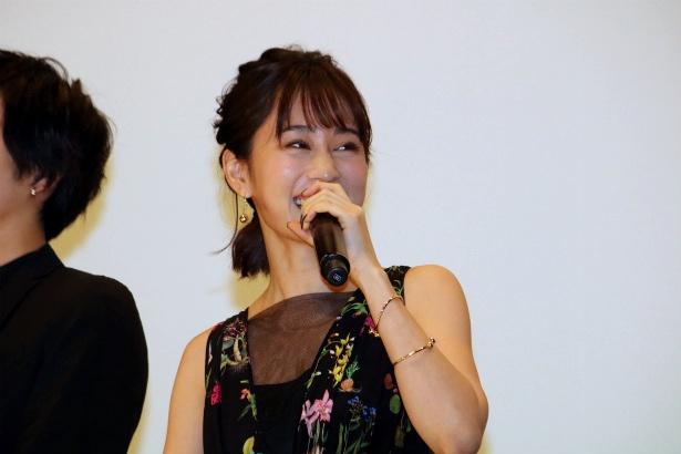 女子大生・麗子役の前田敦子