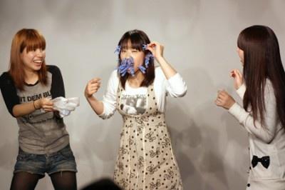 「福田がどれだけ顔に洗濯バサミを着けられるか」というクイズが出題され、福... 「福田がどれだけ
