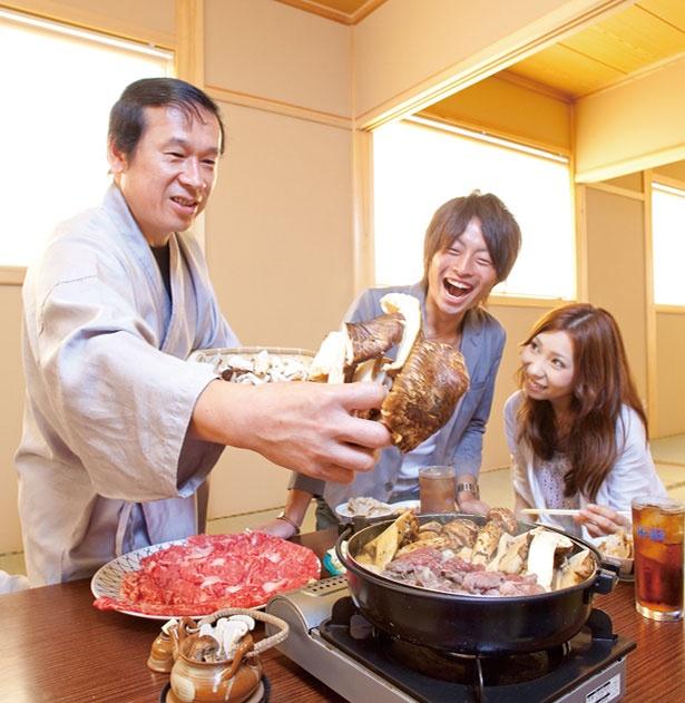 すき焼き鍋でマツタケと日本3大和牛の近江牛が一年中食べ放題/魚松 本店
