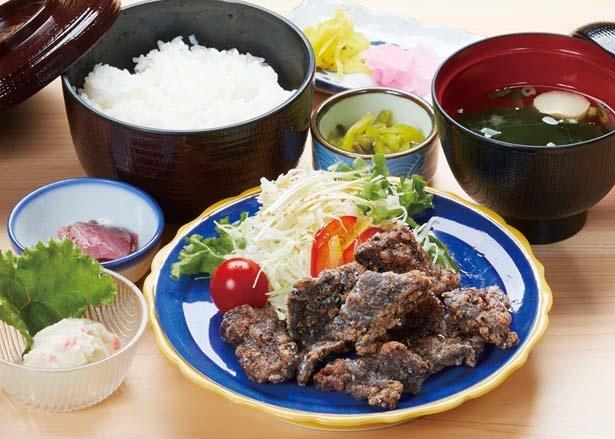「鯨竜田揚定食」(980円)/道の駅 たいじ