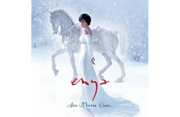 「雪と氷の旋律」は白銀の世界の中で光り輝くその歌声