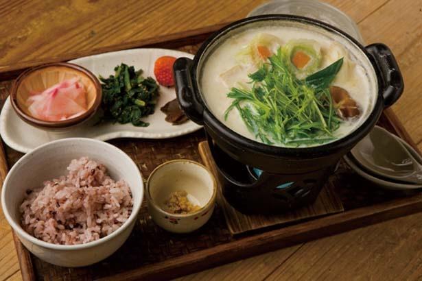 「飛鳥鍋御膳」(1080円)/農村レストラン 夢市茶屋