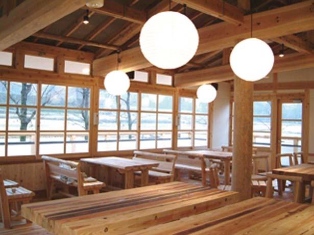 石舞台古墳の西側/農村レストラン 夢市茶屋