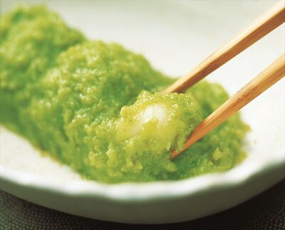 仙台地方の郷土料理であるずんだ餅。厳選された枝豆のみを使用した香り高い一品