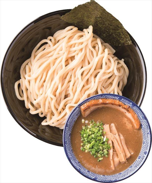 【写真を見る】柚子・フルーツ酢でのスープ割りに挑戦!「つけめん」(並盛800円)