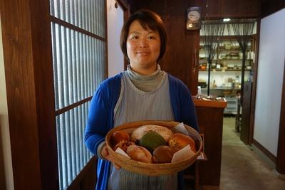 中峯さんが作る天然酵母パンは、ランチを食べにきたお客さんが思わず買ってしまうほど人気