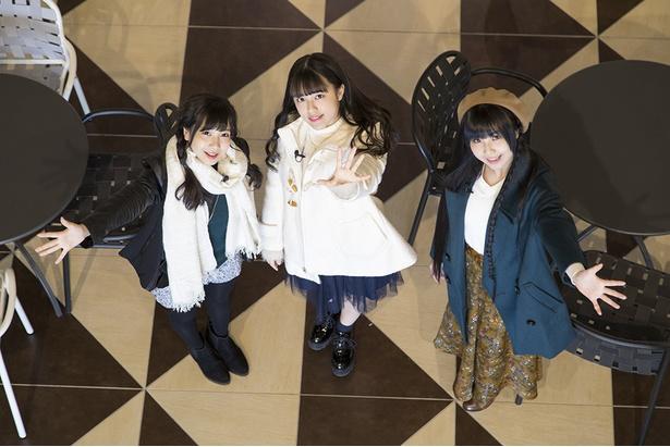 (右から) SKE48の北川愛乃、竹内彩姫、太田彩夏が三井アウトレットパーク 北陸小矢部へGO!