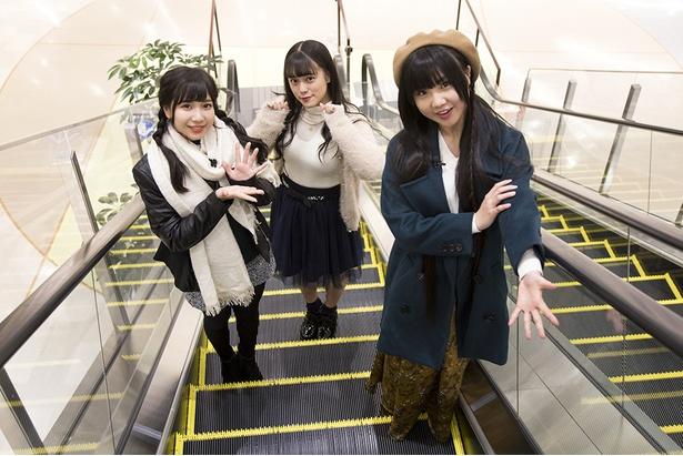 (右から) SKE48の北川愛乃、竹内彩姫、太田彩夏