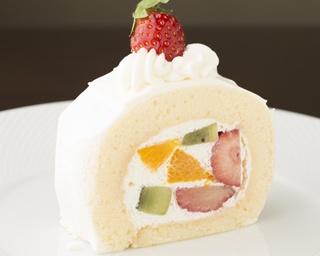 ハマの定番おやつ 小田原 カフェレストラン「壺 de Sweets」のフルーツたっぷり!至福の「トライフルロール」