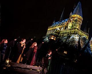 【USJ】クリスマスに新キャッスルショー登場!ホグワーツ・マジカルナイト~ウインター・マジック~が超幻想的