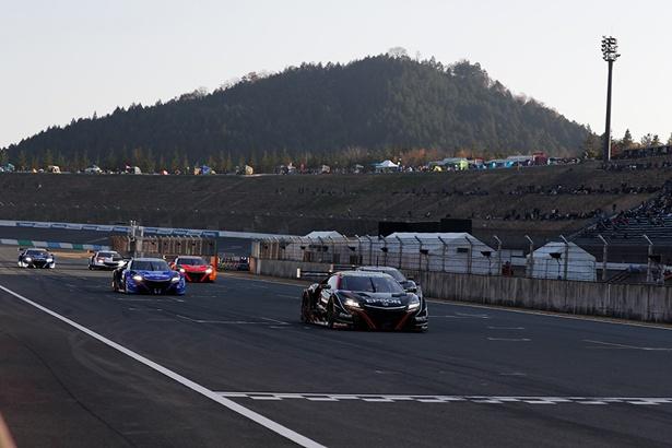 SUPER GT参戦マシンによるデモレース