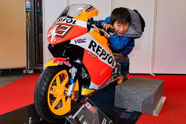レーシングバイクでハングオン!