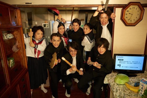 1980年代の小劇場ブームの立役者・鴻上尚史の名作に、菜月チョビ(左)が挑む!