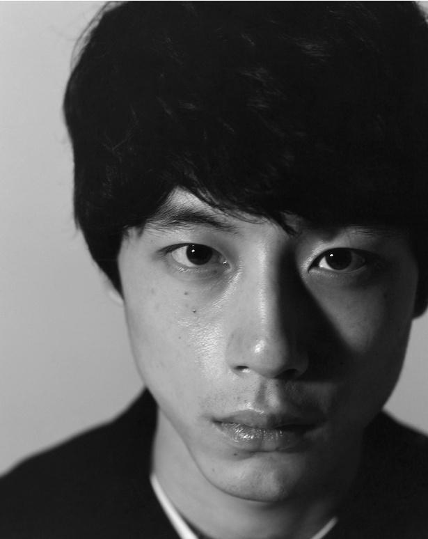 坂口健太郎ファースト写真集が来春発売決定