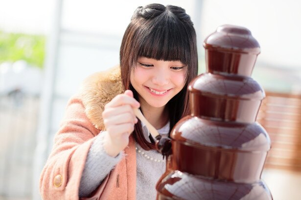 「すご~い!こんなおっきなチョコレートファウンテン初めて!」