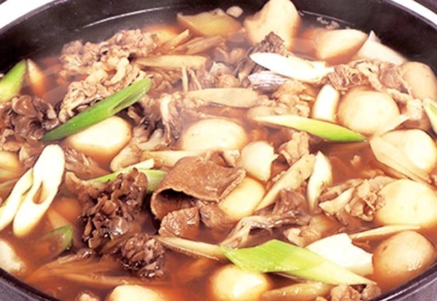 すべて国産の食材にこだわった、山形名物の芋煮