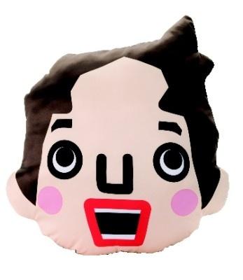 ハイジの顔をかたどった「フェイスクッション」(2100円:縦43cm×横40cm)