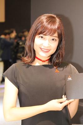 「三菱自動車工業(株)」のブースで見つけた美人コンパニオン