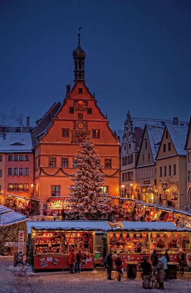 【写真を見る】クリスマス一人旅!ドイツ、ローテンブルクの クリスマスマーケット