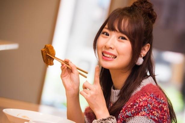 人気連載「SKE48のふぅふぅ女子♥」のスピンオフ企画として、「メンバーとおいしいラーメンを食べた~い♥」を勝手に妄想しちゃいました!今回の彼女はチームK2の高柳明音ちゃん♪