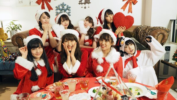 サンタの衣装でクリスマス風に集合写真!