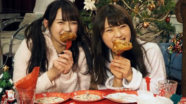 クリスマスディナーにかぶりつく植村と渋谷