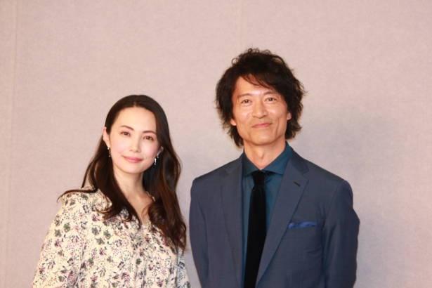 左から忠相の妻・雪絵役のミムラ、新登場の新三郎役の寺脇康文