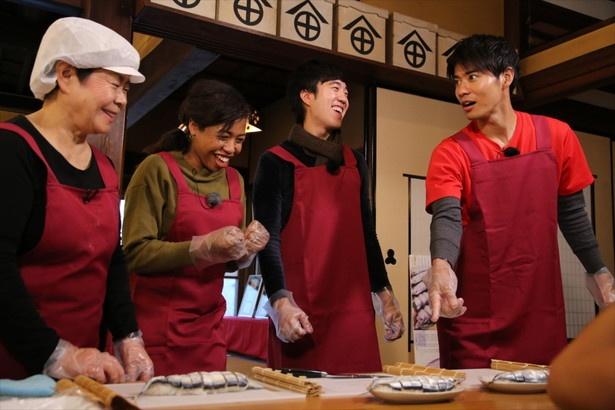 熊野市の郷土の味・サンマ寿司作りに挑戦