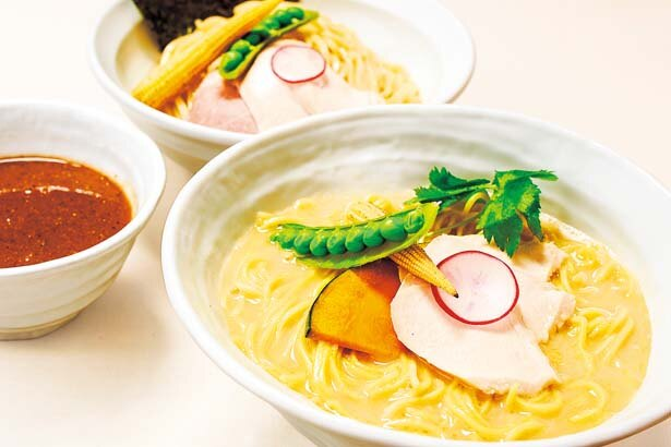 【写真を見る】「鶏白湯 SOBA」(950円)/銀座 篝