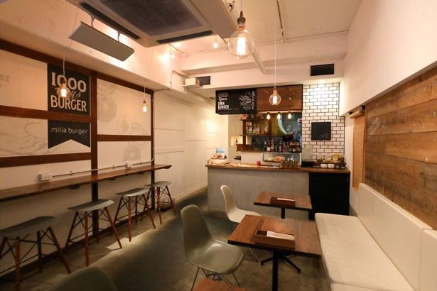 木を基調とした店内は、壁のデザインなど、どこを見ても絵になる