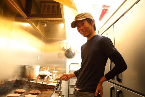 オーナーの千野浩武さん。休日はハンバーガーの食べ歩きをするのが日課