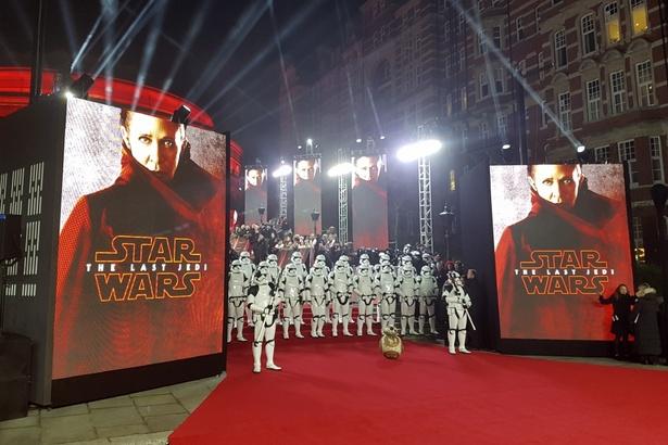 『スター・ウォーズ/最後のジェダイ』ヨーロッパ・プレミアが盛大に開催!