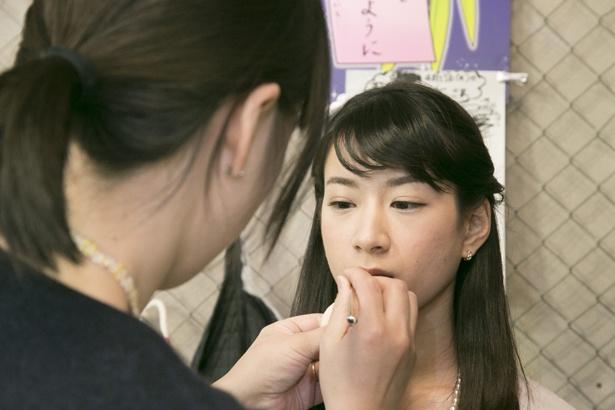 これから本番に挑む岡部さん。「初めての経験なので緊張します」