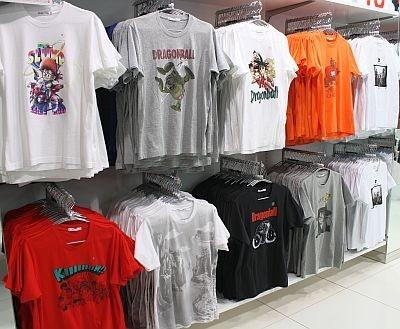 ワンピースやドラゴンボールなどコラボUT「ジャパンマンガ・アニメグラフィックT(半袖)」1500円
