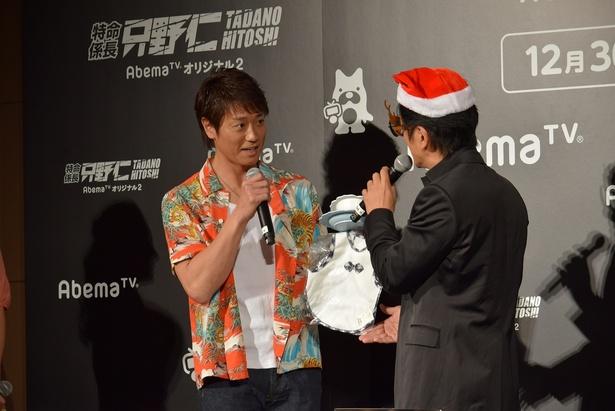 子供が生まれた永井にはベビーグッズをプレゼントした