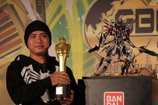 オープンコースチャンピオン、フィリピン代表のマーク・メディアヴィロさん