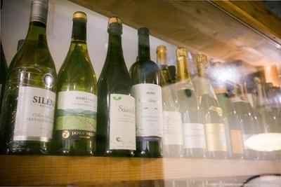 ワインや日本酒、焼酎と酒も豊富にそろう