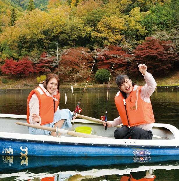おとめボタンの上田美沙季と宮原七奈が伊自良湖のワカサギ釣りに挑戦!